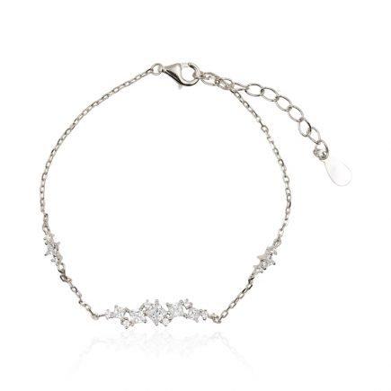 woman-gold-bracelet